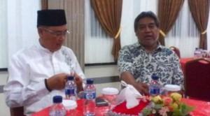 Foto: Kadisbudpar Lingga, M Asward bersama Prof Dr Muchlis Faini. Ard