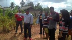 H. Lis Darmansyah, SH, Walikota Tanjungpinang saat meninjau drainase di Kampung Sidodadi, Kelurahan Batu IX, Kecamatan Tanjungpinang Timur. Foto: Aliasar (3007).