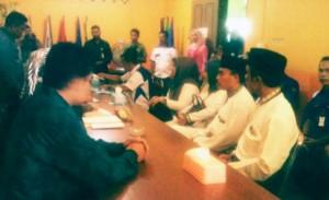 Foto: Pasangan Imalko dan Mustamin saat  mendaftar Sebagai Balon Bupati dan wakil Bupati ke kpu Natuna. (28/07) Herman