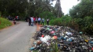 Tumpukan sampah di Kampung Sidodadi, Tanjungpinang Timur