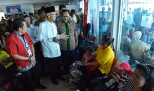 Gubernur Kepri Drs. H. Muhammad Sani melakukan inspeksi mendadak (sidak) arus mudik lebaran di pelabuhan domestik Sri Bintan Pura Tanjungpinang, Senin (13/07/2015).