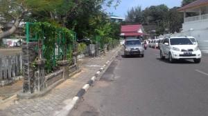 Bangunan taman permanen di trotoar Jl. SM Amin, hasil karya Dinas Kebersihan, Pertamanan dan Pemakaman Kota Tanjungpinang