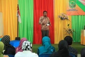 iono, Sekda Kota Tanjungpinang ssat membuka acara Pengembangan Produk Usaha Industri Lokal Dalam Peningkatan Ekonomi Masyarakat, (19/8).