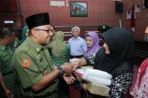 Lis Darmansyah, Walikota Tanjungpinang, membuka Kegiatan Pengembangan Teknologi Budidaya Secara Hidroponik, (14/9).