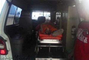 Seorang pekerja bangunan tewas setelah jatuh dari lantai tiga kantor lurah tanjungpinang Barat, (05/09).