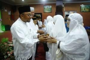 Walikota Tanjungpinang, H. Lis Darmansyah, SH dan Wakil Walikota, H. Syahrul, S. Pd, Silaturahmi bersama jamaah haji asal tanjungpinang, (8/10).