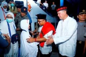 Lis-Syahrul sambut kepulangan jama'ah haji Kota Tanjungpinang, (03/10).