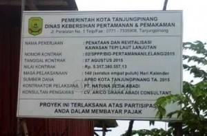 Plang Proyek Taman Tepi Laut Kota Tanjungpinang.