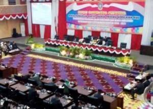 Suasana di DPRD Kepri saat rapat paripurna istimewa pengumuman gubernur/wakil gubernur Kepri terpilih.