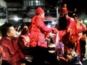 Dewa rezeki membagikan rezeki kepada Walikota Tanjungpinang