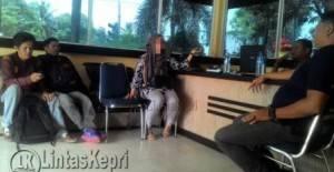 Korban didampingi pamannya melapor perbuatan pelecehan di SPK Polres Tanjungpinang
