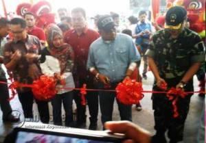 Sebelumnya Walikota Tanjungpinang Lis Darmansyah meresmikan Royal Mahjong Club Sabtu (12/3/2016).