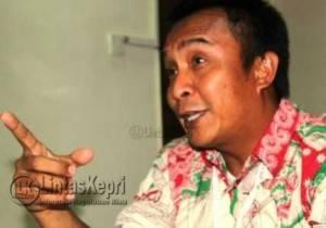 GM PT Pelindo I Cabang Tanjungpinang, I Wayan Wirawan saat memimpin jumpa Pers di Laguna Hotel, Jumat (18/3)