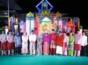 Walikota/Wakil Walikota Tanjungpinang, Lis-Syahrul saat berfoto bersama