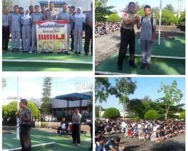 Kapolsek Tanjungpinang Timur, AKP Efendri Ali saat memberikan sosialisasi bahaya Narkoba di SMK N 3 Tanjungpinang, Sabtu (16/3)