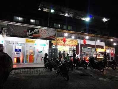 Di ATM Swalayan Suryadi Pamedan, Jalan Raja Ali Haji,inilah Sufanus Pratama mentransfer uang ke penipu