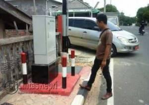 Inilah FO IndiHome Milik Telkom Speedy yang dibangun di Trotoar Jalan Usman Harun (Teluk Keriting)