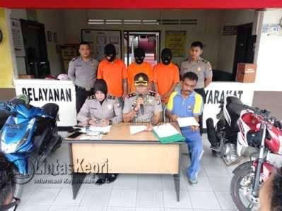 Kapolsek Bukit Bestari, Kompol A Mubin S saat Pers Release kasus Curanmor, di Polsek Bukit Bestari, Sabtu (14/5).