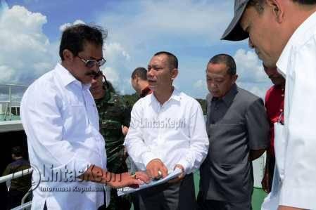 Plt Gubernur Kepri Nurdin Basirun saat menghadiri ekspose pembangunan kelistrikan interkoneksi 150 KV Batam-Bintan, di PLTU Tanjungkasam.