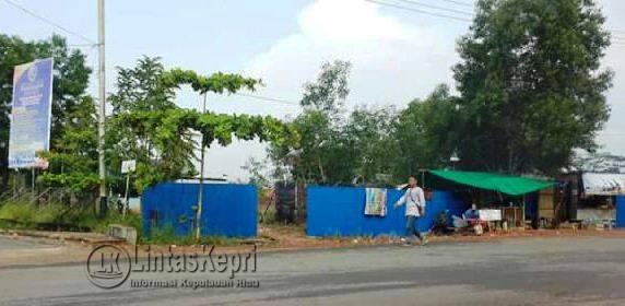 Pemagaran lahan 4,1 hektar oleh pihak Hengky Suriawan, Rabu (17/5)