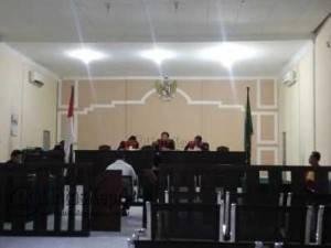 Terdakwa Andre saat Disidangkan di Pengadilan Negeri Tanjungpinang, Selasa (24/5).