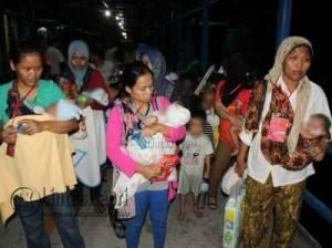 296 Warga Negara Indonesia (WNI) Migran dan Korban Perdagangan Orang (KPO), dari Pasir Gudang, Malaysia, Rabu (22/6).