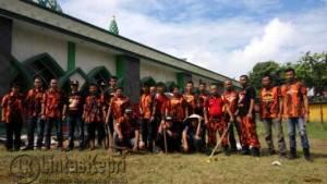 Majelis Pimpinan Cabang (MPC) Pemuda Pancasila Kota Tanjungpinang, beserta Ranting menggelar Goro di Masjid Agung Al-Hikmah, Minggu (5/6)