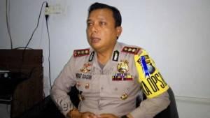 Kapolres Tanjungpinang, AKBP Kristian P Siagian, saat meninjau Pelabuhan SBP Tanjungpinang, Selasa (5/7)