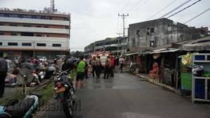 Suasana Lokasi Kebakaran 3 Kios Bintan Plaza, Jalan MT Haryono Tanjungpinang, Sabtu (30/7)
