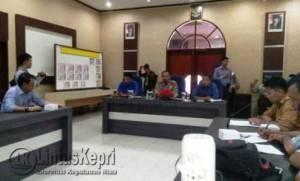 Aliansi Jurnalis Independen (AJI) Batam-Tanjungpinang saat menyampaikan aspirasi di Ruang Rapat Utama (RUPATAMA) Polres Tanjungpinang, Selasa (23/8).