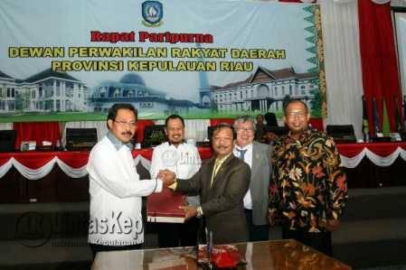 Gubernur Sampaikan Revisi Dokumen RPJMD 2016-2021 ke DPRD