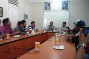 Solidaritas Jurnalis Kepri (SJK) saat audiensi dengan Komandan Pangkalan Udara (Danlanud) Tanjungpinang, Kolonel (Pnb) IGN, Wahyu Anggono di Lanud Tanjungpinang, Selasa (16/8).