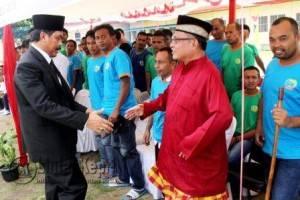 Gubernur Kepulauan Riau H. Nurdin Basirun di Lembaga Pemasyarakatan (Lapas) kelas II A, KM 18 Kijang.