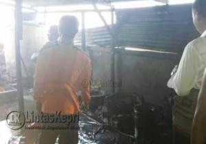 Kondisi Bagian Dapur di Rumah Makan Bunga Raya Pasca Terbakar.