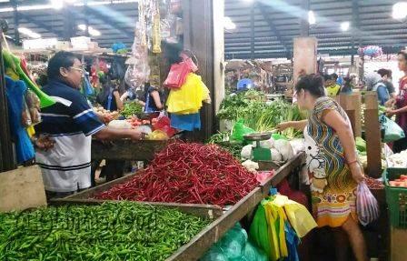 Salah Satu Pedagang di Pasar Tradisional Tanjungpinang.
