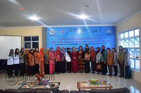 Kepala BPJS Kesehatan Cabang Tanjungpinang, Nur Indah Yuliati saat foto bersama.