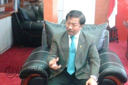 Ketua DPRD Kepri Jumaga Nadeak