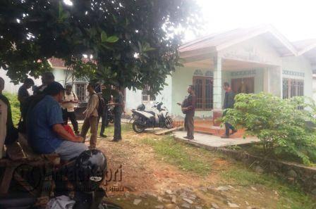 Inilah lokasi rumah korban percobaan bunuh diri, Fatma Eka Safitri di Kampung Melayu Kota Piring, Kecamatan Tanjungpinang Timur, Gang Pondok Cengkeh, Rabu (9/11), sekitar pukul 10:30 WIB.