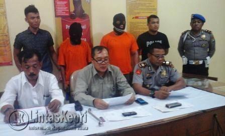 Polsek Tanjungpinang Timur saat menggelar konferensi pers di Mapolsek Tanjungpinang Timur, Kamis (10/11).