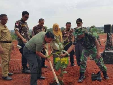 Canangkan Penghijauan, Korem 033/WP Tanam Pohon