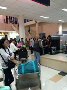 Foto Kedatangan dan Kepulangan Turis China