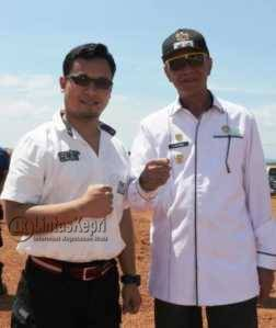 Kasat Narkoba Polres Tanjungpinang AKP Ricky Firmansyah saat foto bersama dengan Wakil Walikota Tanjungpinang Syahrul.